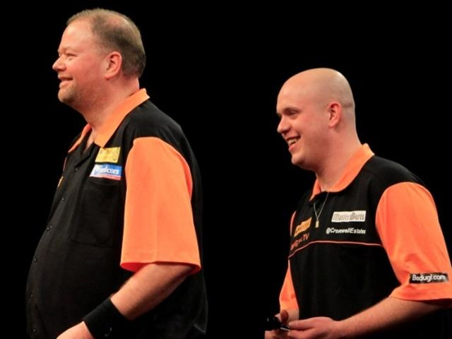 Dutch compatriots Barney and MVG will be throwing for a place in the quarter-final tonight