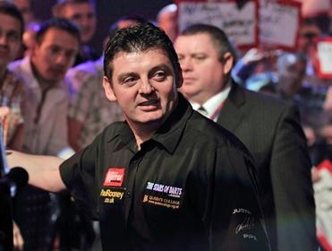 Will Justin Pipe fail at the first stage against Michael Smith?
