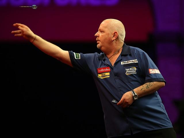 Robert Thornton looks a good price to throw more 180s than MVG tonight