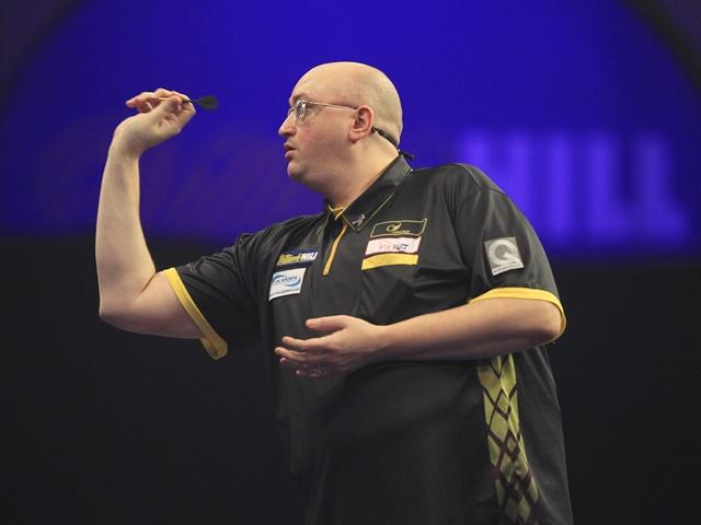 Andrew Gilding could be in for a five-set game with Gerwyn Price