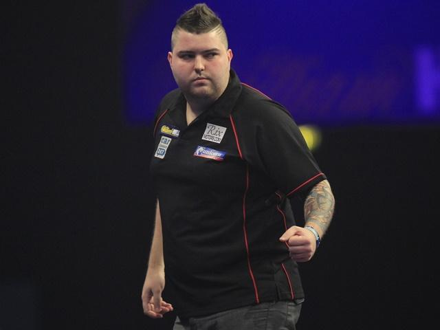 Youngster Michael Smith could be in trouble tonight against Wayn'e pick Simon Whitlock