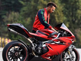 Easy Rider - Lewis Hamilton shows off his new set of wheels