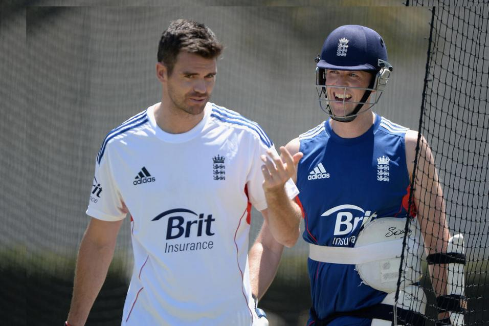 James Anderson and Graeme Swann training with England