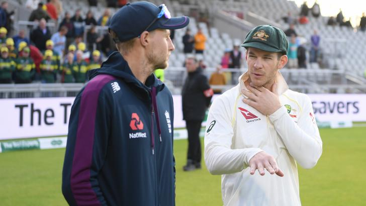 Joe Root and Tim Paine in discussion