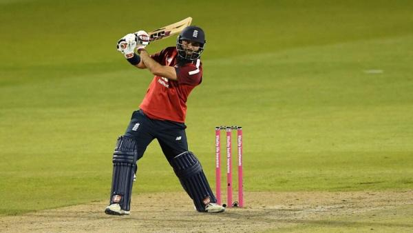 Moeen Ali batting T20.jpg