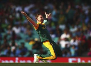 Steyn is back for the hosts