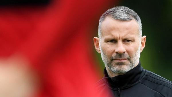1280 Ryan Giggs training.jpg