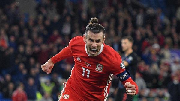 Gareth Bale celebrates goal 1280.jpg