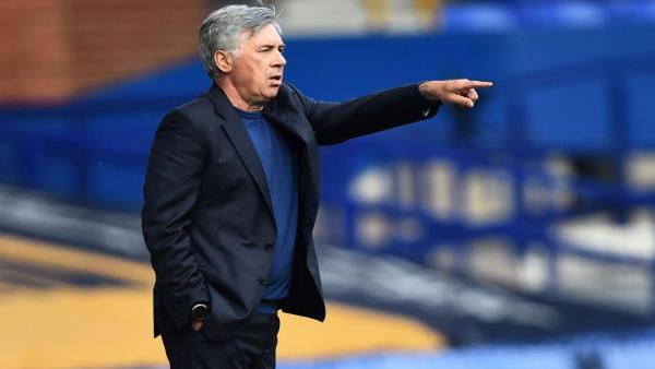 Ancelotti Pointing 1280.jpg