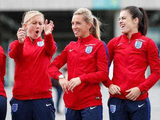 Laura Bassett, Jordan Nobbs and Karen Carney can keep England's winning streak going