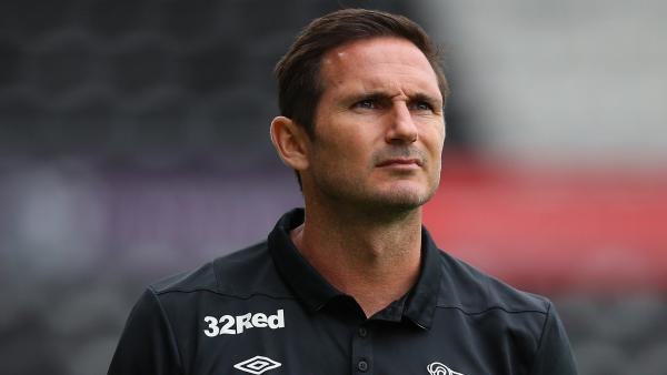Frank Lampard looks up 1280.jpg