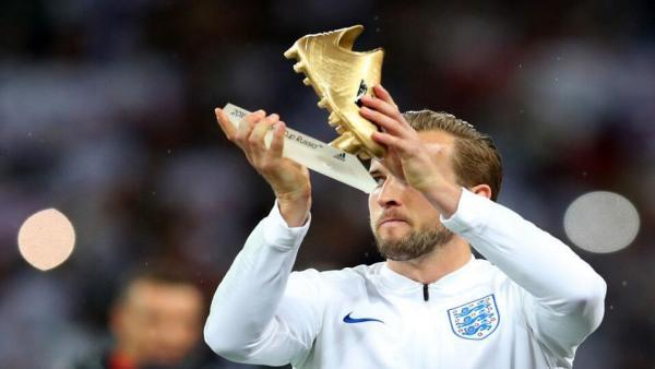 Harry Kane England Golden Boot.jpg