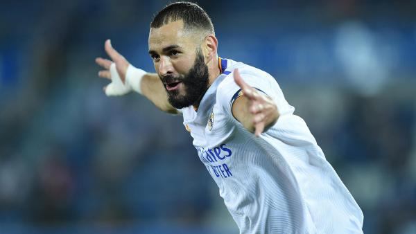 Karim Benzema celebrates 1280.jpg