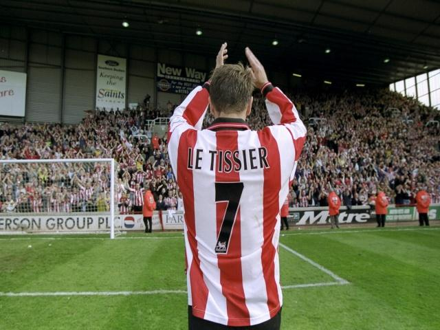 Matt Le Tissier salutes the Southampton faithful