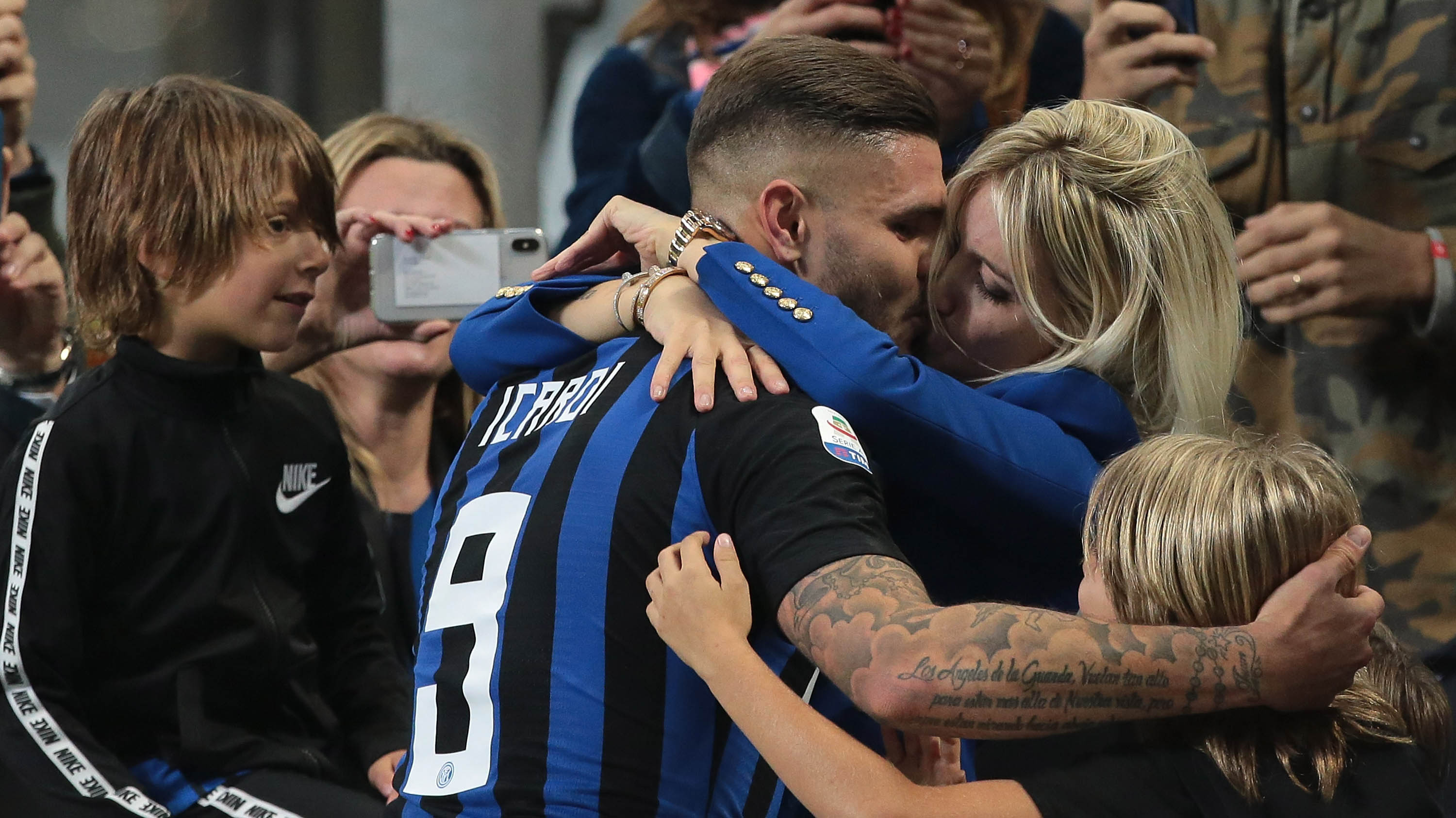 Mauro Icardi and wife 1280.jpg