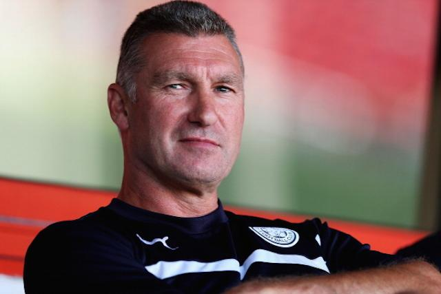 "Leicester manager Nigel Pearson considers himself ""flexible enough to put his head in the sand"""