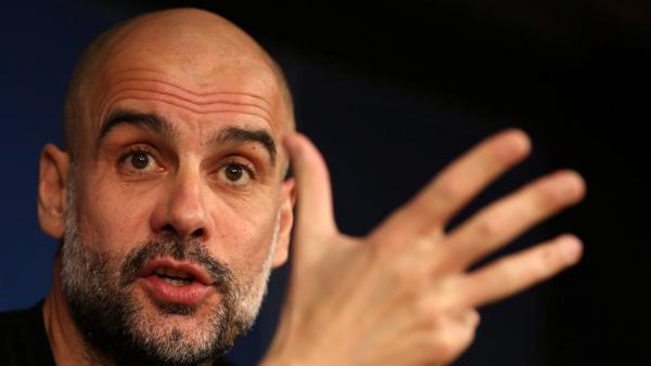 Pep Guardiola fingers 1280 .jpg