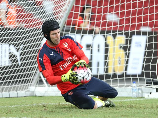Petr Cech looks set to play against his old side on Sunday