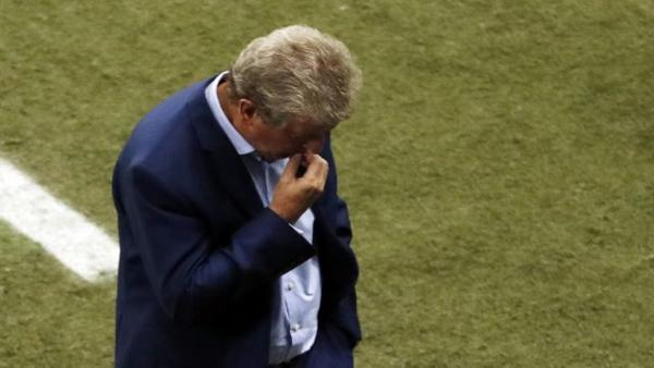 Roy Hodgson head down.jpg