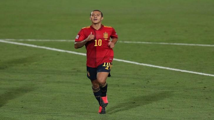 Thiago playing for Spain