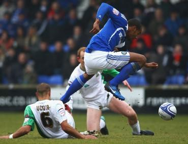 Former Macclesfield striker Tyrone Barnett can have Oxford flying