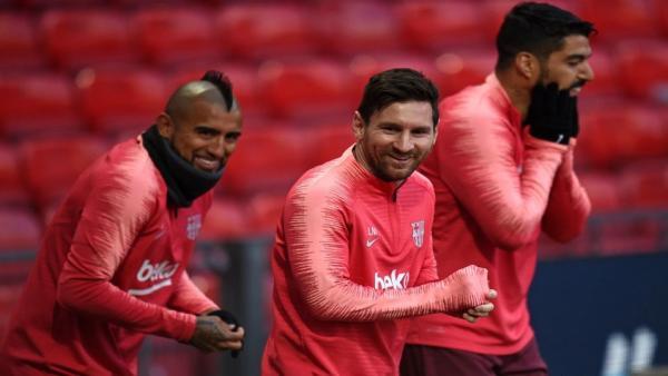 Vidal Messi Suarez 956.jpg