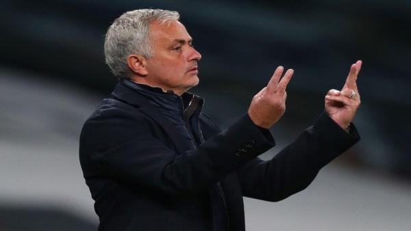 Mourinho counting 1280.jpg