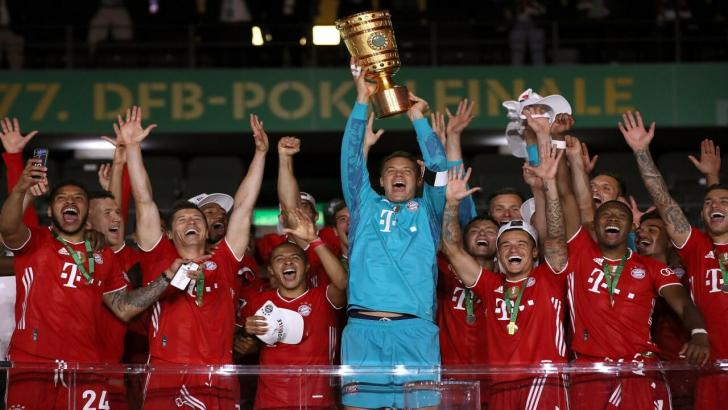 Bayern Munich celebrate winning the DFB Cup