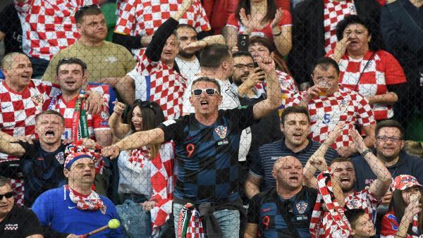 croatia fans 1280.jpg