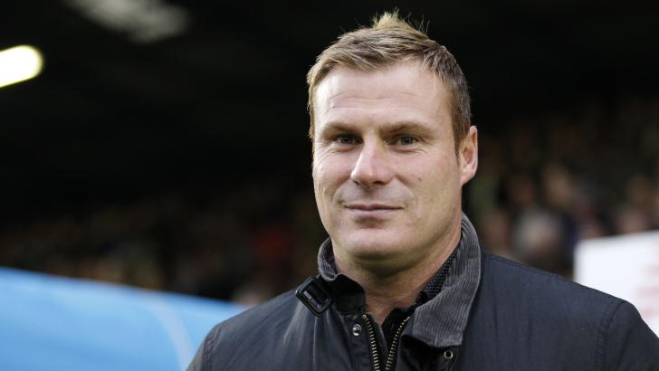 David Flitcroft needs a win at Barnet to propel Swindon into the playoff picture