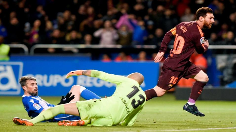 Deportivo failing to contain Lionel Messi