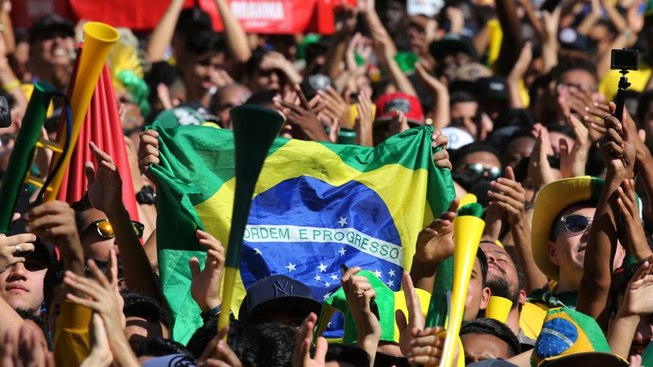 Brazilian%20football%20fans%201280