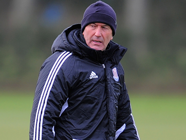 Former Stoke boss Tony Pulis is the early favourite to get the vacant manager's job at Crystal Palace