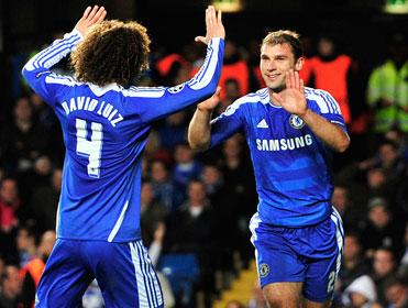 Branislav Ivanovic (r) is a threat at set-pieces