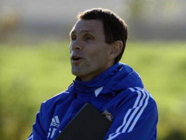 Can Gus Poyet's Sunderland climb off the bottom off the bottom of the Premier League when they face Cardiff?