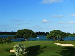 The 17th hole at the Four Seasons Golf Course at Anahita