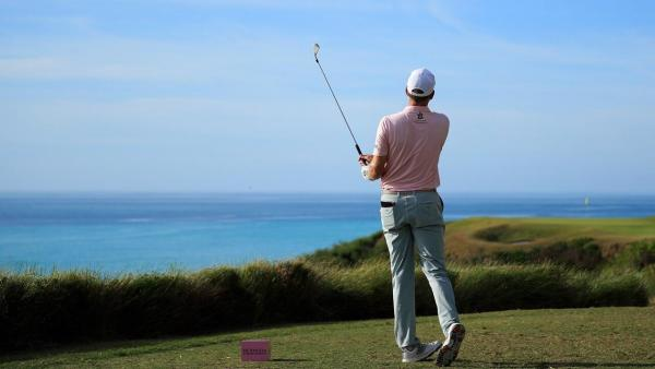 Brendon todd at Bermuda.jpg