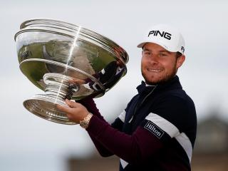 Tyrrell Hatton with the Alfred Dunhill trophy
