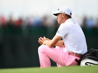 Justin Thomas waiting to make his record-breaking eagle on 18 yesterday