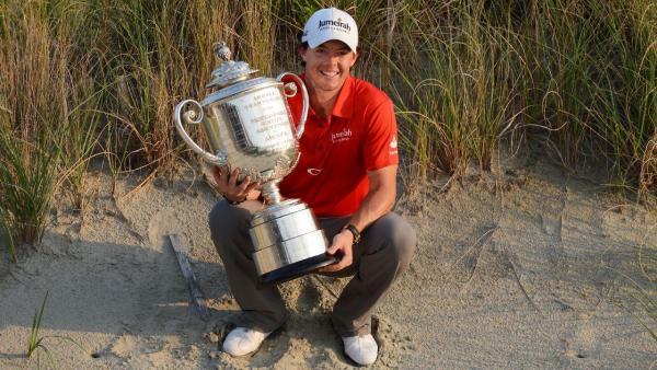 Rory McIlroy 2012 USPGA trophy.jpg