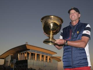 Steve Stricker with the Presidents Cup