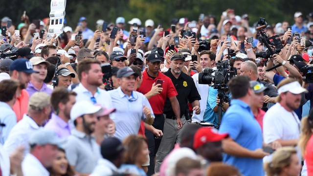 Tiger Woods in crowd 1280.jpg