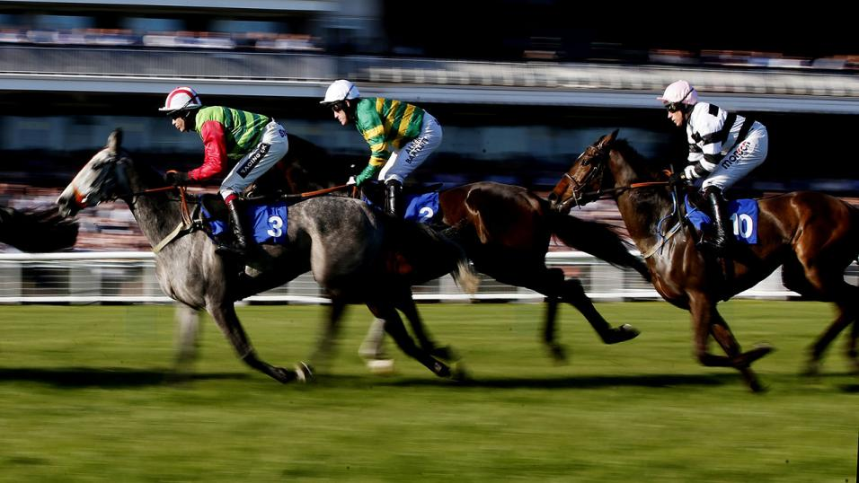 Timeform provide three UK SmartPlay bets on Sunday