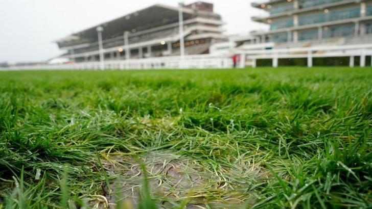 Cheltenham Racecourse in the rain