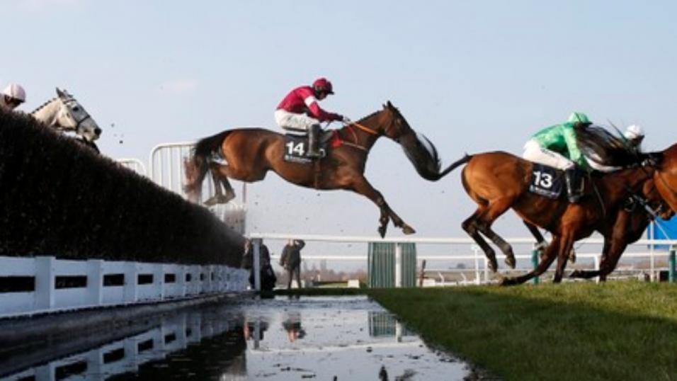 There is Jumps action at Kempton on Monday afternoon
