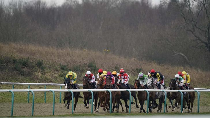 Racing at Lingfield