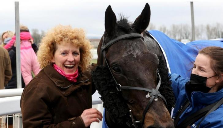 Lucinda Russell