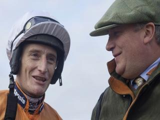 Paul getting some tips on returning to the saddle from Daryl Jacob