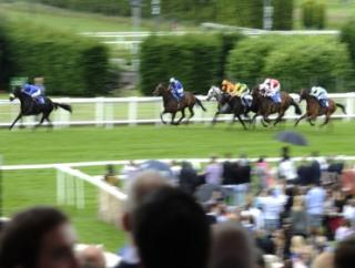 Tony has two picks from a soggy Sandown on Saturday