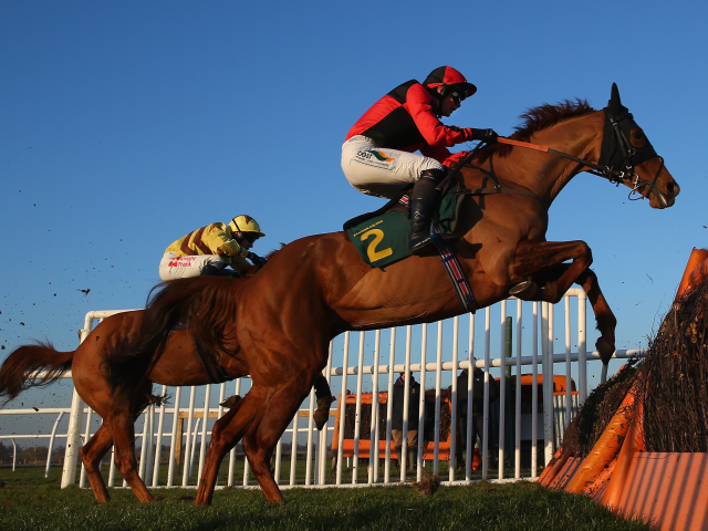 The listed Summer Cup Handicap Chase takes centre stage at Uttoxeter on Sunday